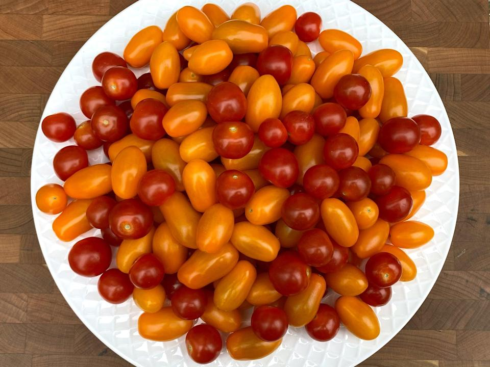 <p>7.4 cups of cherry tomatoes</p>