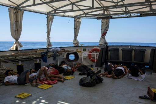 Italy moves to end migrant crisis with naval mission, NGO crackdown