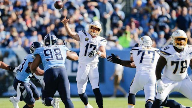 Chargers, Titans tied at 10 after first half