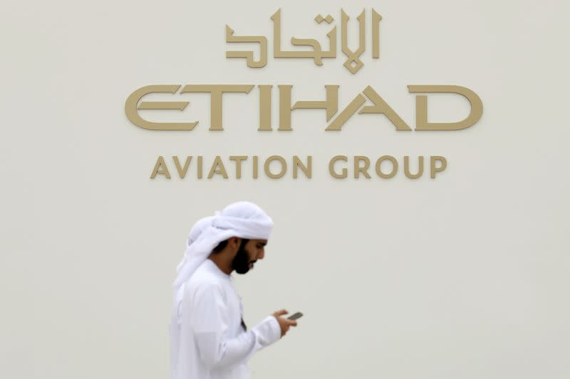 Abu Dhabi's Etihad considers future without A380, A350 jets - sources
