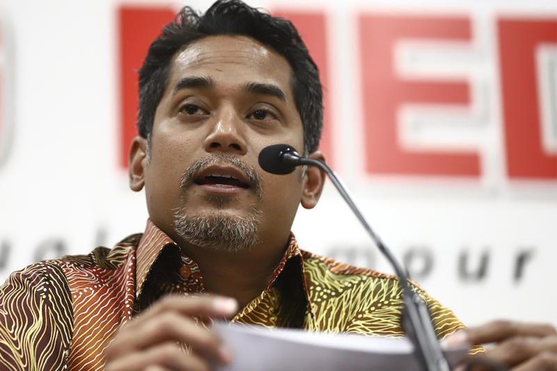 Khairy should not contest for Umno top post, says Ku Li