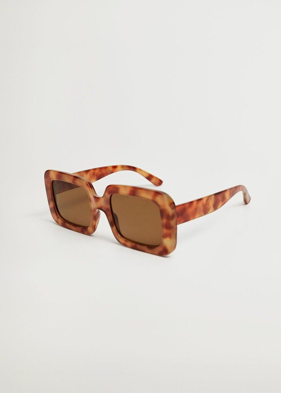 <p>We're obsessed with these <span>Mango Tortoiseshell Oversize Sunglasses</span> ($40).</p>