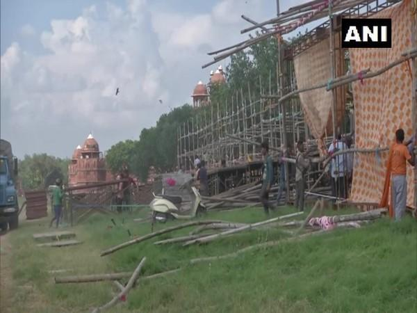 Preparations are underway for the Ramleela event at Red Fort. (Photo/ANI)