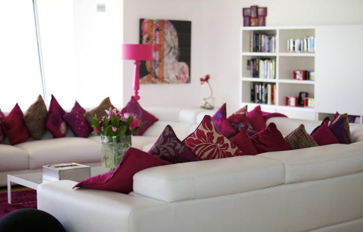 <p>Still, it would be extremely convenient if the buyers appreciate the color fuchsia. <br></p>