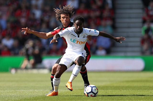 Eddie Howe must build the Bournemouth team around Nathan Aké