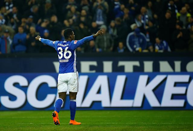 Soccer Football - Bundesliga - Schalke 04 vs TSG 1899 Hoffenheim - Veltins-Arena, Gelsenkirchen, Germany - February 17, 2018 Schalke's Breel Embolo celebrates scoring their second goal REUTERS/Leon Kuegeler DFL RULES TO LIMIT THE ONLINE USAGE DURING MATCH TIME TO 15 PICTURES PER GAME. IMAGE SEQUENCES TO SIMULATE VIDEO IS NOT ALLOWED AT ANY TIME. FOR FURTHER QUERIES PLEASE CONTACT DFL DIRECTLY AT + 49 69 650050