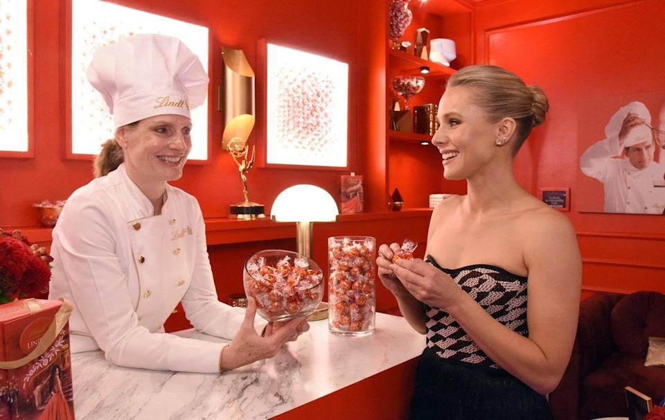 "<h1 class=""title"">Lindt-Chocolate-Master-Ann-Czaja-Emmys-Kristen-Bell-2019.jpg</h1> <div class=""caption""> Czaja backstage with Kristen Bell at the 2019 Emmy Awards </div> <cite class=""credit"">Phil McCarten/Invision for the Television Academy/AP Images</cite>"