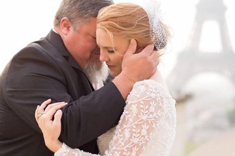 A Father Of The Bride Died Minutes After The Father