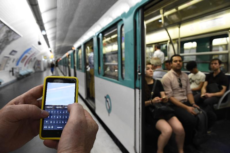 From January 1, a new law will enter into force in France that obliges organisations with over 50 workers to define the rights of employees to ignore their smartphones