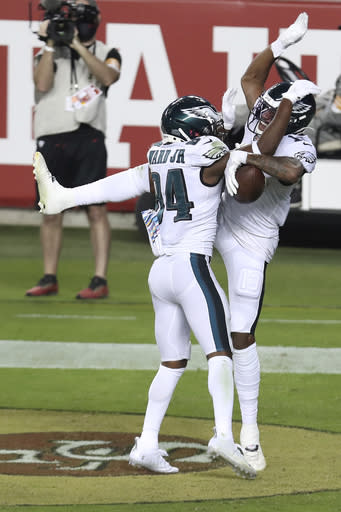 Wentz Rallies Eagles To 1st Win Of Season 25 20 Over 49ers