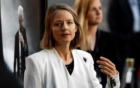 """Actress Jodie Foster poses at the premiere of """"Sully"""" in Los Angeles, California U.S., September 8, 2016.   REUTERS/Mario Anzuoni"""