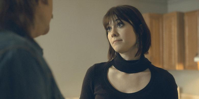 "FARGO ""The Principle of Restricted Choice"" – Year 3, Episode 2 (Airs April 26, 10:00 pm e/p) Pictured (l-r): Ewan McGregor as Ray Stussy, Mary Elizabeth Winstead as Nikki Swango. CR: FX"