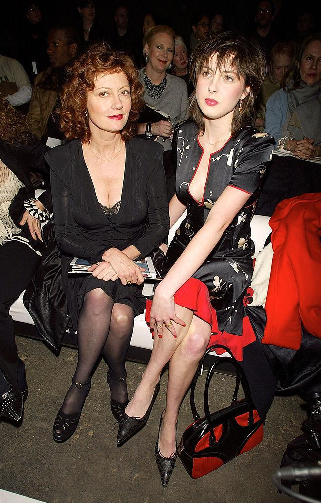 <p>Susan Sarandon sits tall with her daughter Eva Amurri. <i>(Scott Gries/Getty Images)</i><br></p>