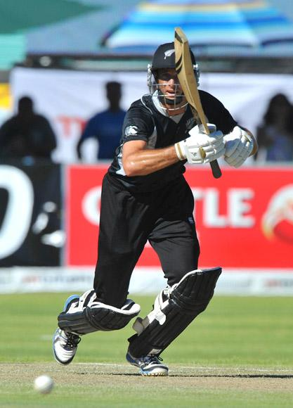 Grant Elliott of New Zealand drives straight during the 2nd One Day International match between South Africa and New Zealand at De Beers Diamond Oval on January 22, 2013 in Kimberley, South Africa.(Photo by Duif du Toit/Gallo Images/Getty Images)