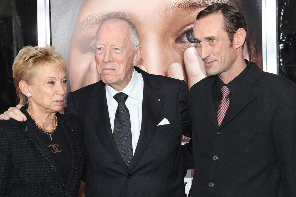 """<a href=""""http://movies.yahoo.com/movie/contributor/1800022160"""">Max Von Sydow</a> and family at the New York City premiere of <a href=""""http://movies.yahoo.com/movie/1810196550/info"""">Extremely Loud and Incredibly Close</a> on December 15, 2011."""