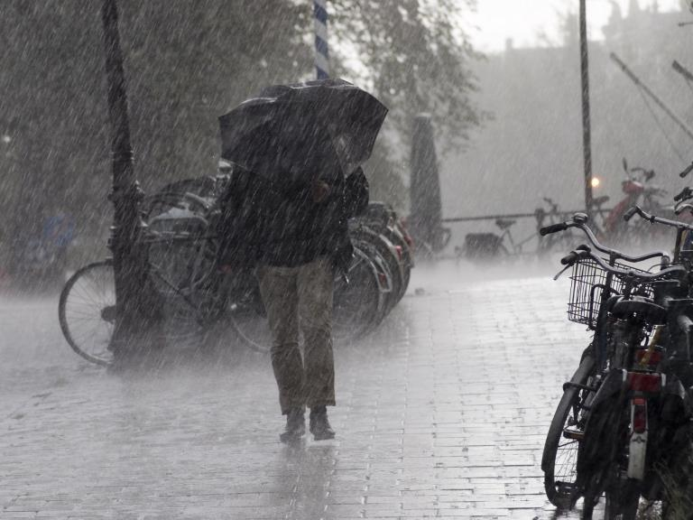 UK weather forecast: Sun to give way to heavy thunderstorms and hail, says Met Office