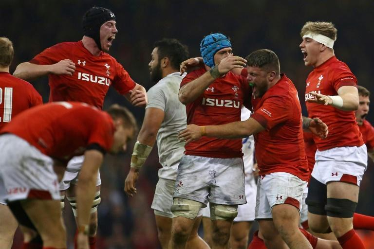 Wales were 10-3 down at the break against England, but 'won' the second period 18-3 to stay on course for a Grand Slam and set a new Wales record of 12 Test victories in a row