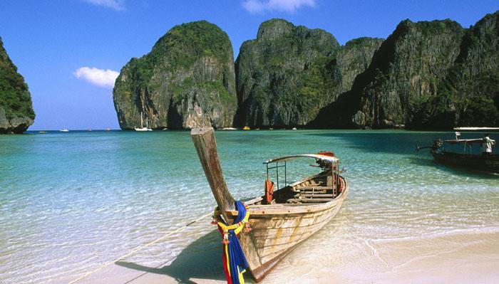 "This flat beach is located in a bay on the island of Koh Phi Phi Leh, and is completely surrounded by rocky mountains. The beach became very popular after the movie ""The Beach"" was filmed there in 2000, starring Hollywood hottie Leonardo DiCaprio. One of its best features is its marine life, so divers are advised to give it a try."