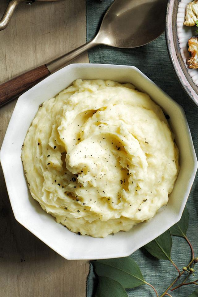 "<p>Throw your potatoes in slow cooker and let the machine do all the work. </p><p><a rel=""nofollow"" href=""https://www.womansday.com/food-recipes/food-drinks/recipes/a60492/slow-cooker-mashed-potatoes-recipe/""><strong>Get the recipe. </strong></a><strong><strong></strong></strong><br></p>"