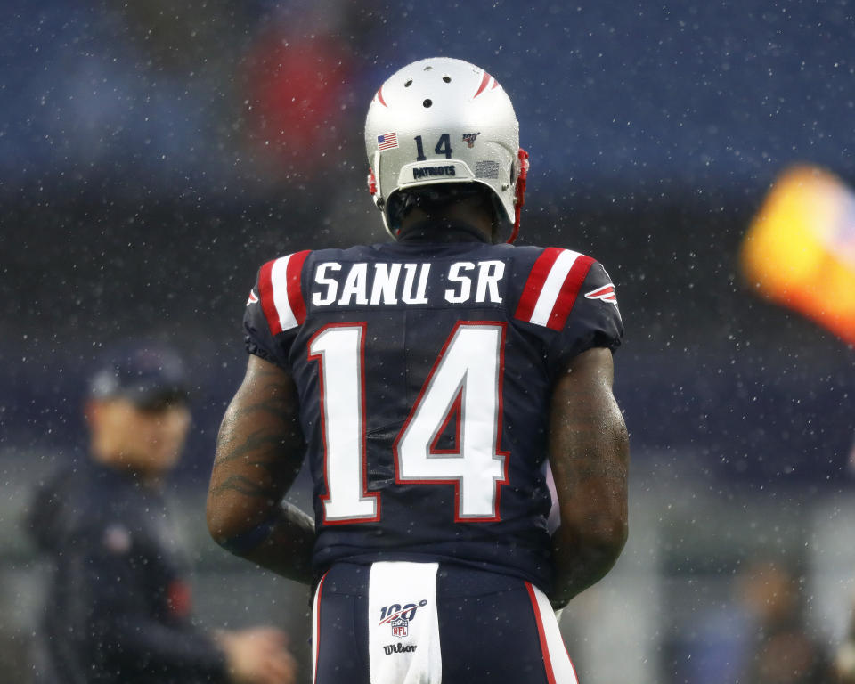 FOXBOROUGH, MASSACHUSETTS - OCTOBER 27:  Mohamed Sanu Sr of the New England Patriots warms up before the game between the New England Patriots and the Cleveland Browns at Gillette Stadium on October 27, 2019 in Foxborough, Massachusetts. (Photo by Omar Rawlings/Getty Images)