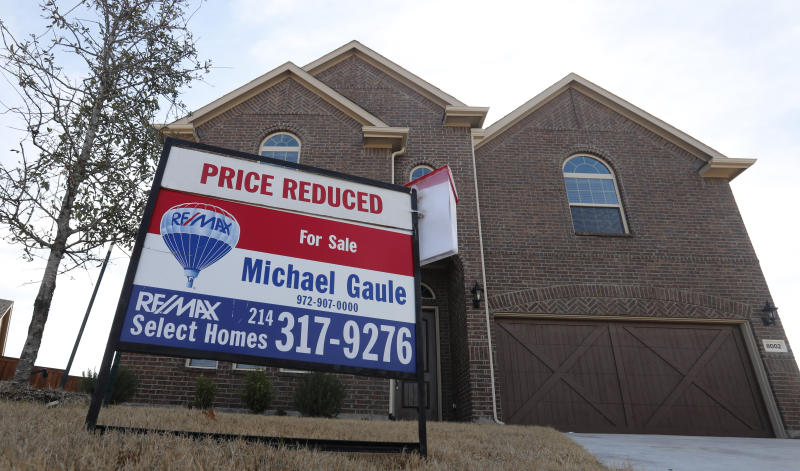 US home prices rise at slower pace for 9th straight month