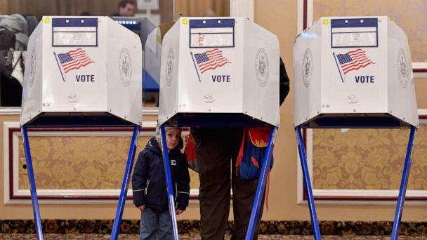 PHOTO: A voter casts his ballot in the midterm election at the East Midwood Jewish Center polling station in Brooklyn, New York, Nov. 6, 2018. (Angela Weiss/AFP/Getty Images, FILE)