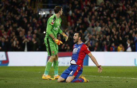 Britain Football Soccer - Crystal Palace v Arsenal - Premier League - Selhurst Park - 10/4/17 Crystal Palace's Luka Milivojevic celebrates scoring their third goal Action Images via Reuters / Matthew Childs Livepic