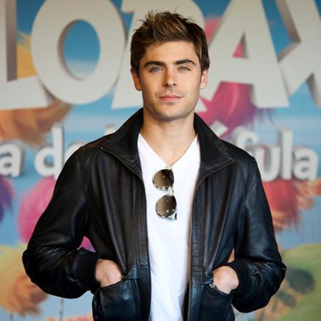 Zac Efron pursuing Rihanna?