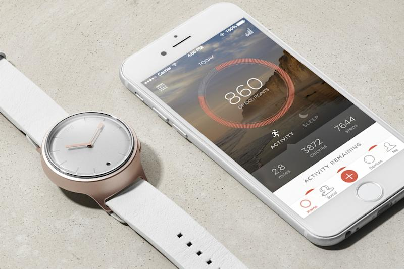 Misfit Phase smartwatch matches an analog look with digital tech