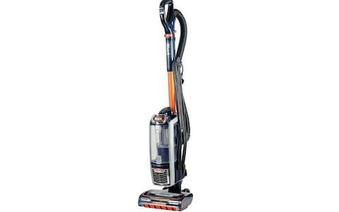 Shark Anti Hair Wrap Upright Vacuum Cleaner Plus with Powered Lift-Away and TruePet AZ910UKT