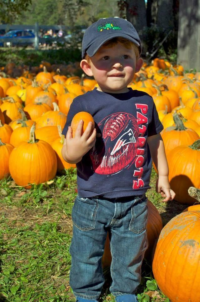 """<p><strong>Dayton, Maine (Sep 19–Oct 31)</strong></p><p>If you love kettle corn, you can snack on <strong><a href=""""https://www.pumpkinvalleyfarm.com/"""" rel=""""nofollow noopener"""" target=""""_blank"""" data-ylk=""""slk:Pumpkin Valley Farm"""" class=""""link rapid-noclick-resp"""">Pumpkin Valley Farm</a></strong> homemade kernels while you shop around for your pumpkin. The farm also has a petting zoo and cow train rides for children 12 and under. Admission is $12 per person, but seniors get a discount and children 2 and under can walk in for free.</p>"""