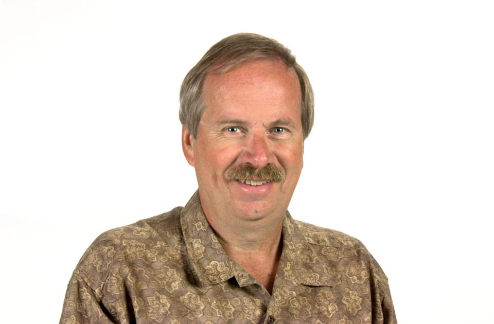 A staff photo of Robin Miller in September 2000 when he was a columnist for the Indianapolis Star.