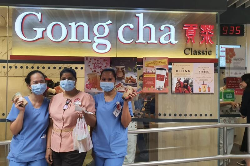 Medical practitioners redeeming Gong Cha drinks at an outlet. (PHOTO: Gong Cha)