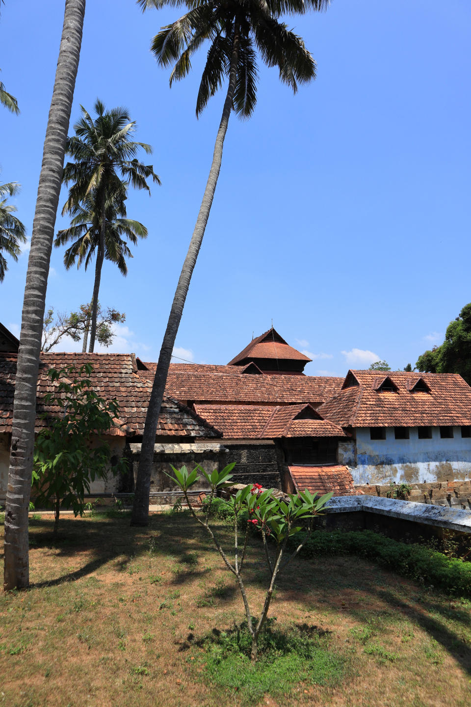 The palace is located at the foot of the Veli Hills, which forms a part of the Western Ghats.