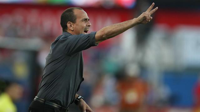 Oscar Pareja was trying to make a change but couldn't get one in and looked on as his team conceded the deciding goal against Pachuca.