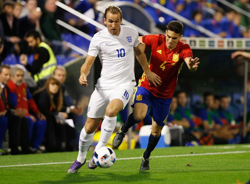 Football - Spain v England - International Friendly - Jose Rico Perez Stadium, Alicante, Spain - 13/11/15 England's Harry Kane in action with Spain's Marc Bartra Action Images via Reuters / Carl Recine Livepic EDITORIAL USE ONLY - Credit: Carl Recine/Action Images via Reuters