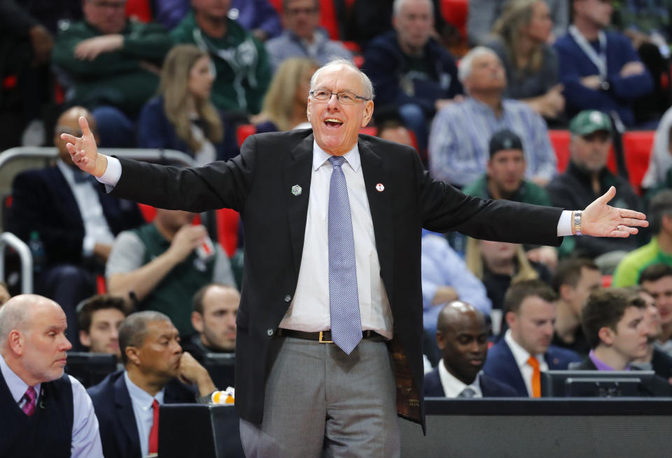 Syracuse head coach Jim Boeheim argues a call against Michigan State during the first half of an NCAA men's college basketball tournament second-round game in Detroit, Sunday, March 18, 2018. (AP Photo/Paul Sancya)