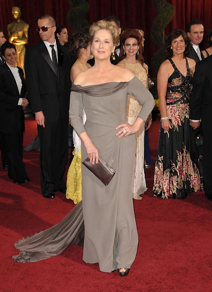 Meryl Streep   Grade: B+       The 15-time Oscar nominee surprised many by sporting a fabulous Alberta Ferretti off-the-shoulder chiffon frock.