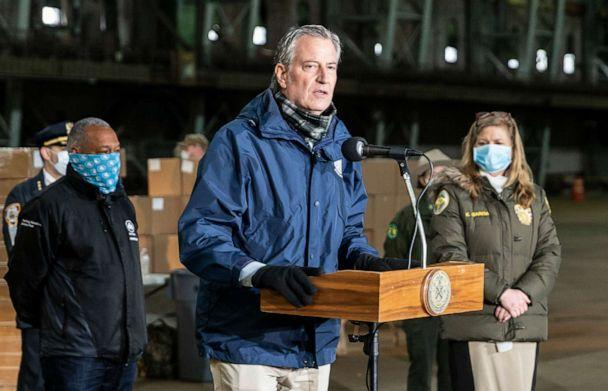 PHOTO: Mayor Bill de Blasio visits food distribution center at Kingsbridge Armory in New York amid the COVID-19 pandemic, April 18, 2020. (LightRocket via Getty Images, FILE)
