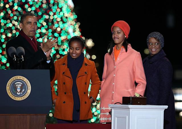WASHINGTON, DC - DECEMBER 06: U.S. President Barack Obama (L), stands with his daughters Sasha and Malia Obama, and mother-in-law Marion Robinson after lighting of the National Christmas tree on December 6, 2012 in Washington, DC. This year is the 90th annual National Christmas Tree Lighting Ceremony. (Photo by Mark Wilson/Getty Images)