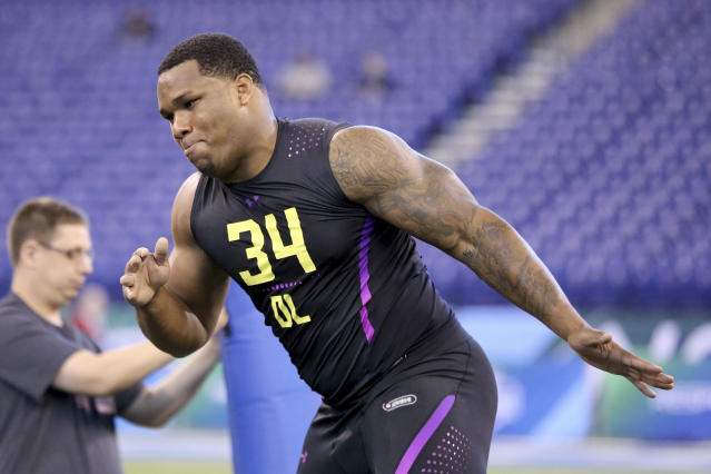 Da'Shawn Hand didn't live up to the hype at Alabama, but is still eyeing an NFL career starting Saturday. (AP)
