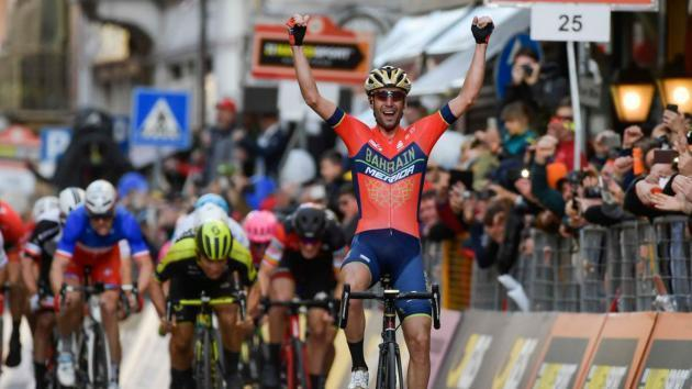<p>Nibali holds on in Milan-San Remo as Cavendish crashes again</p>