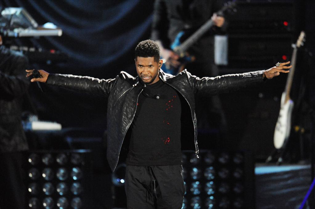 "Usher performs at the ""A Decade of Difference"" concert on October 15, 2011, at the Hollywood Bowl, Los Angeles. <br><br>(Photo by Stephanie Cabral/Yahoo!)"