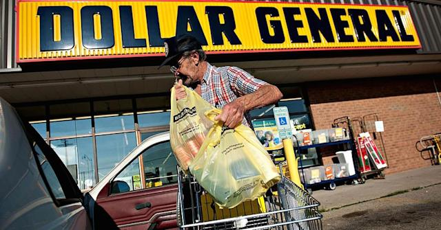 Amazon wants to luredollar stores' core customers into online shopping. (Daniel Acker/Bloomberg/Getty Images)