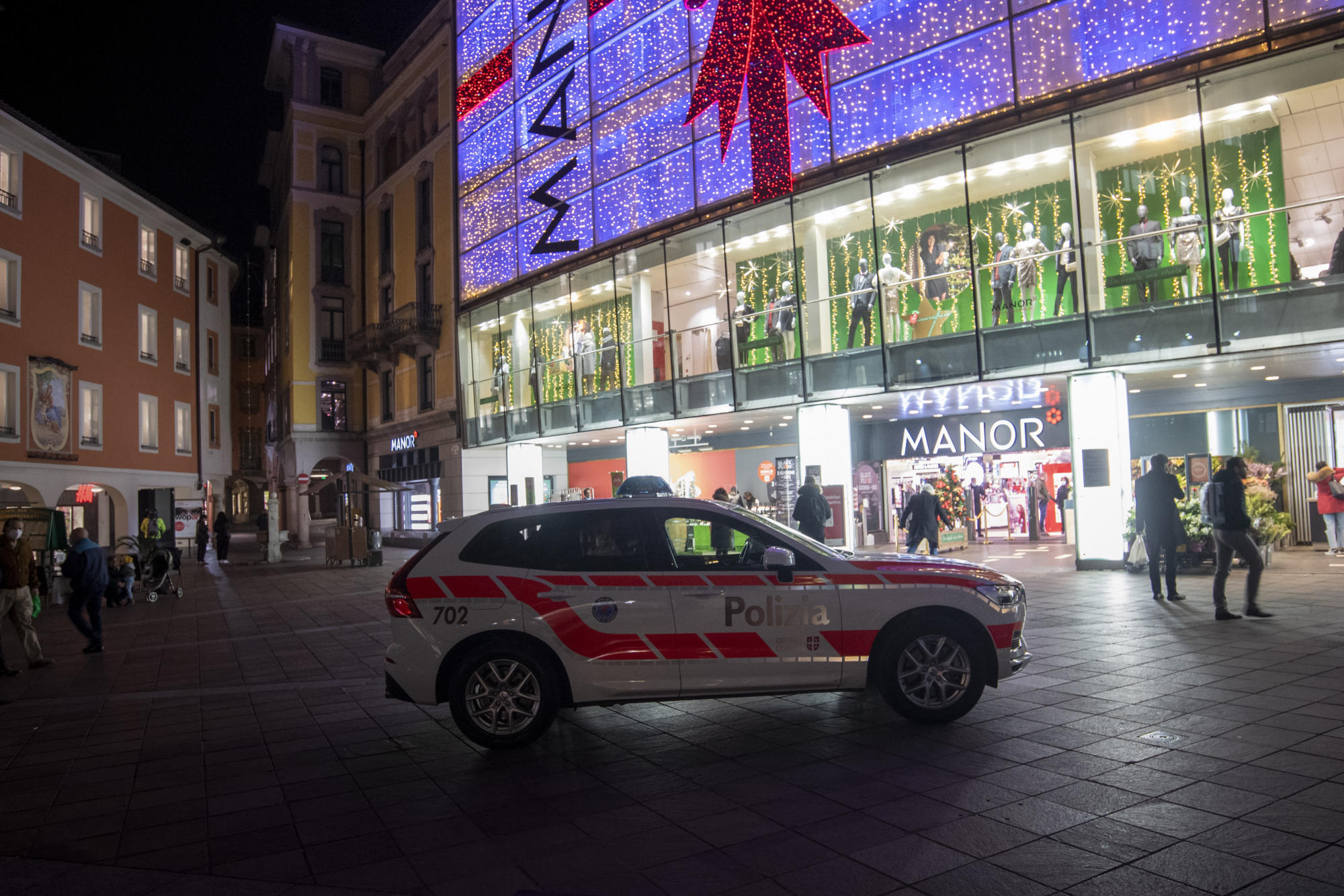 Suspect in Swiss knife attack had tried to travel to Syria