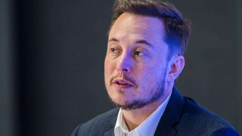 Musk Stock-Option Tweet Violated U.S. Labor Law, UAW Alleges