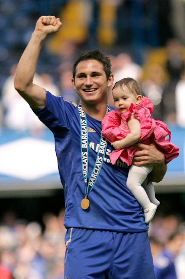 Chelsea retained the title the following season, with Lampard the club's top goalscorer having contributed 16 league goals