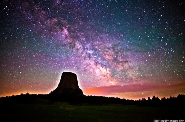 Devils Tower in Wyoming captured with a stunning view of the Milky Way. (Photo: Eric Hines Photography/Flickr)