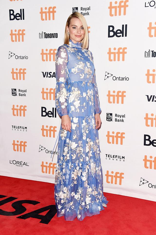 "<p><a rel=""nofollow"" href=""https://www.yahoo.com/movies/tagged/margot-robbie"">Margot Robbie</a> at the <a rel=""nofollow"" href=""https://www.yahoo.com/movies/tagged/toronto-film-festival"">2017 Toronto International Film Festival</a> for <a rel=""nofollow"" href=""https://www.yahoo.com/movies/film/i-tonya""><em>I, Tonya</em></a>, on Sept. 8 (Photo: Alberto E. Rodriguez/Getty Images) </p>"