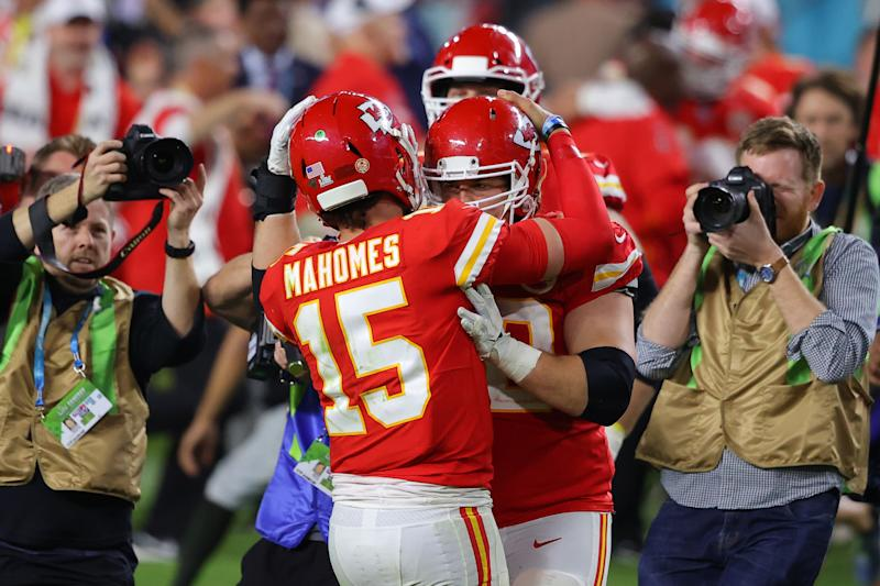 MIAMI, FLORIDA - FEBRUARY 02: Patrick Mahomes #15 of the Kansas City Chiefs celebrates after defeating the San Francisco 49ers in Super Bowl LIV at Hard Rock Stadium on February 02, 2020 in Miami, Florida. (Photo by Ronald Martinez/Getty Images)